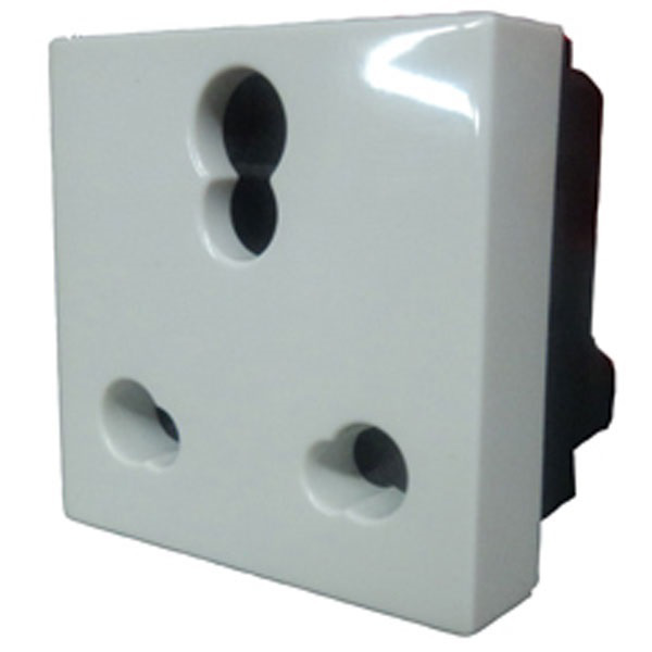 Picture of Legrand Arteor 573471 6A-16A 3 Pin White Sockets